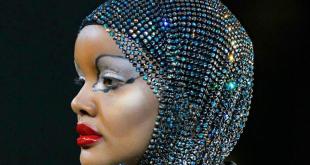 Halime Aden, moda dünyasına başörtü koleksiyonu ile adım atıyor