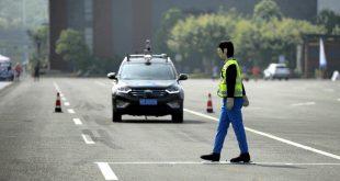 W Motors, şoförsüz araçlarını Abu Dabi'de sergiledi