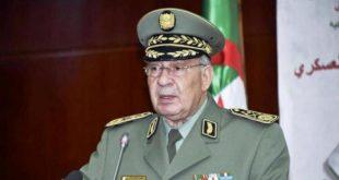 Cezayir, Türkiye'deki kıdemli bir subayını teslim aldı