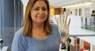 """Suudi Arabistanlı mucit konuşamayan insanlar için """"akıllı eldiven"""" geliştirdi"""