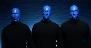Blue Man Grubu, Cidde Festivali'ndeki performansı ile hayranlarını büyüledi