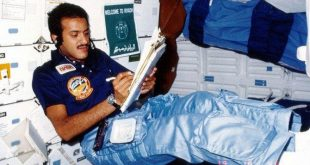İlk Müslüman astronot Sultan bin Selman'ın kitabı yayınlandı