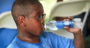Şarka'daki okullarda ücretsiz şişe su dağıtılacak
