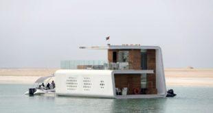 Dubai'de yüzen karakol hizmete açıldı