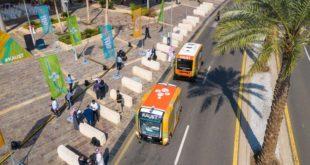 Suudi Arabistan'da sürücüsüz ve benzinsiz ilk otobüsler trafikte