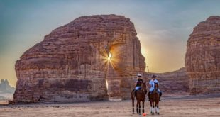 Suudi Arabistan, dünyanın ilk çöl polo turnuvasını düzenliyor