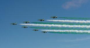 """""""Suudi Şahinleri"""" gökyüzünü yeşil ve beyaza boyadı"""