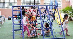 Dubai'de çocuk oyun alanlarına kurulan e-kapılar sayesinde yabancılar içeri giremeyecek