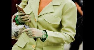 New York'taki Suudi tasarımcı, eldivenleri tekrar cool bir aksesuar haline getiriyor