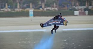 Jetman, Dubai'de bin 800 metre yükseklikte böyle uçtu (VİDEO)