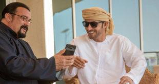 Ünlü oyuncu Steven Seagal, Dubai Veliaht Prensi'nin yarışını izledi