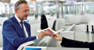 Suudi Arabistan turist vizelerini ücretsiz olarak 3 aylığına uzattı