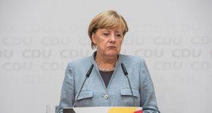 Merkel AstraZeneca aşısının ilk dozunu oldu
