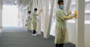 Suudi Arabistan havalimanlarında en önemli bilet 'maske'