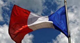 Fransa, maske takma zorunluluğunu ve sokağa çıkma yasağını kaldırdı
