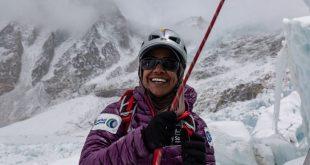 Everest Dağı'na tırmanan ilk Ummanlı kadın ile tanışın