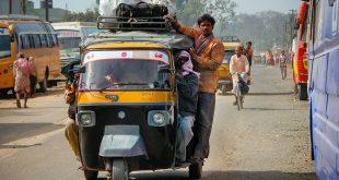 Hindistan'da 27 kişi yıldırım düşmesi nedeniyle öldü