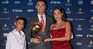 Cristiano Ronaldo, yüzyılın en iyi futbolcusu seçildi