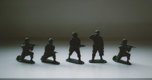 Husiler, kadın milisleri Sana mahallelerindeki çocukları orduya almak için görevlendirdi