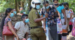 Sri Lankalı Müslümanlar koronavirüs kurbanlarının yakılmasına karşı gösteri düzenledi