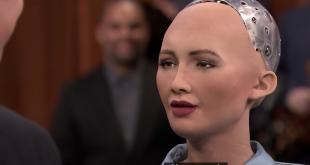 Suudi Arabistanlı robot Sophia, çizdiği tabloyu NFT ile 5,5 milyon liraya sattı