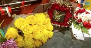 Tebük'te bayram hediyesi olarak gül verilir (VİDEO)