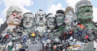 G7 liderlerinin çöpten heykeli yapıldı